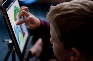 3.1 Digital Literacy in School Settings