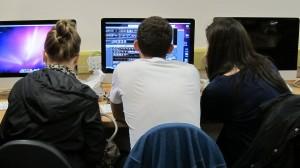 6.1.3.3 Students using iMacs